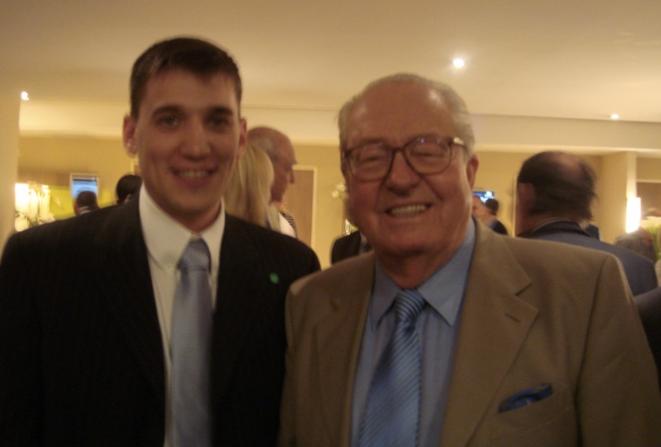 Fabrice Sorlin et Jean-Marie Le Pen, en 2007.