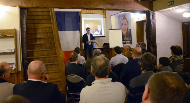 B. Doutrelant, directeur de campagne de B. Monot, animant une réunion de travail à Blois, en février, en amont des européennes. © Site du FN41