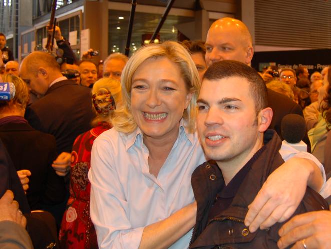 Marine Le Pen et Fabien Engelmann, son conseiller politique «au dialogue social» et maire d'Hayange.