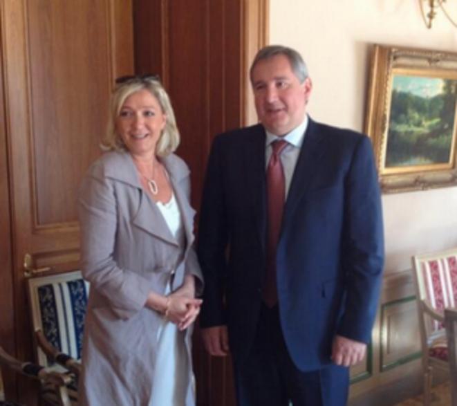 Marine Le Pen reçue par Dmitri Rogozine, vice-premier ministre russe, le 21 juin 2013. © Twitter / Ludovic de Danne