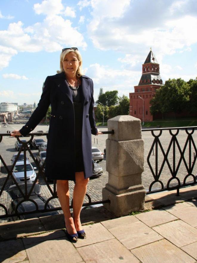 Marine Le Pen en juin 2013, à Moscou. © Photo publiée sur le blog du chercheur Anton Shekhovtsov.