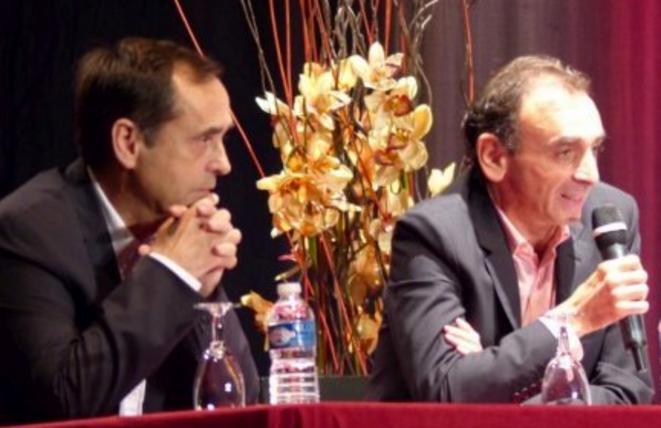 Robert Ménard et Eric Zemmour à Béziers le 16 octobre 2014. © dr