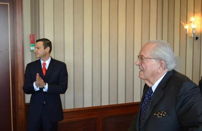 Gérald Gérin, l'assistant personnel de Jean-Marie Le Pen, et le trésorier de son association de financement Cotelec. © maritima.info