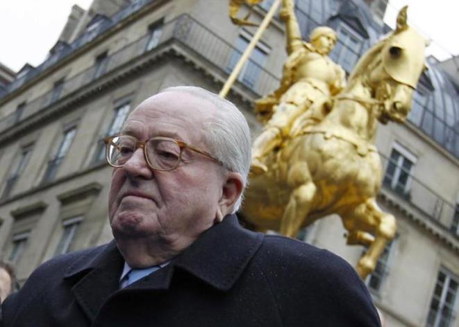 Jean-Marie Le Pen, célébrant l'anniversaire de Jeanne d'Arc, le 7 janvier 2012.