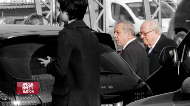Prince Zurab Chavchavadze, le directeur financier de Malofeev, avec Jean-Marie Le Pen, à Moscou, en octobre 2014. © Spécial Investigation / Canal Plus.