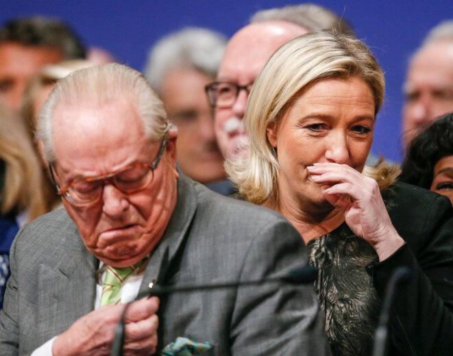 Jean-Marie et Marine Le Pen, le 30 novembre 2014, au congrès de Lyon. © Reuters