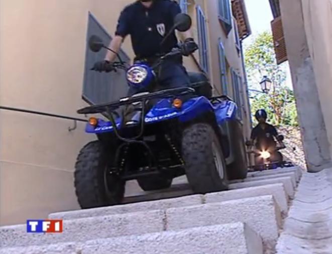 Reportage sur les quads de la police municipale du Cannet, diffusé sur TF1 le 5 août 2003.