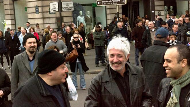 Philippe Péninque (cheveux blancs) lors du défilé du 1er-Mai du FN, en 2013, avec Jean-Claude Nataf (avec le bonnet). © Marine Turchi / Mediapart