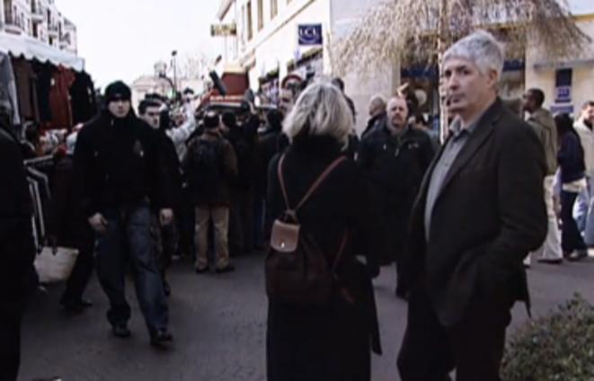 Philippe Péninque accompagne Marine Le Pen à Aulnay-sous-bois (93), en avril 2007. © Canal Plus