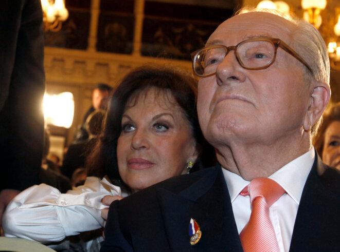 Jany et Jean-Marie Le Pen, le 21 mars 2010, à Nice, au second tour des élections régionales.