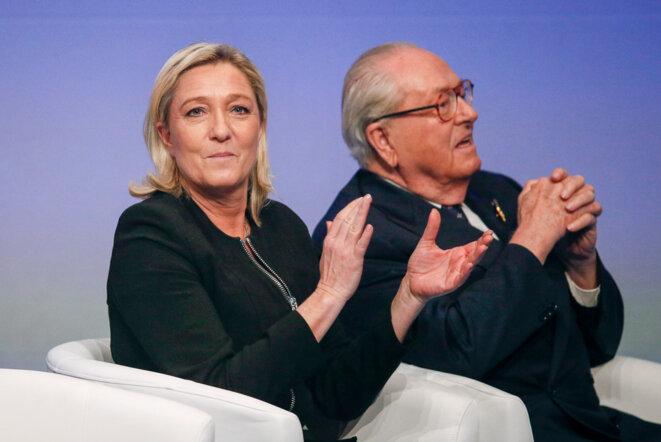 Marine et Jean-Marie Le Pen, au congrès du FN, le 29 novembre 2014.