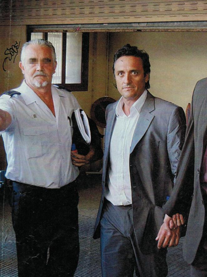 Roch Tabarot lors de son arrestation, en 2008. © Interviu