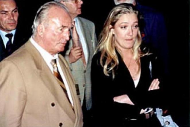 Marine Le Pen avec le waffen SS Franz Schonhuber. © dr