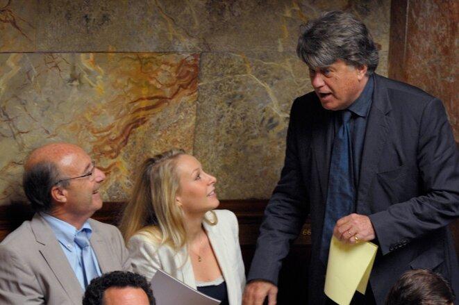 J. Bompard avec G. Collard et M. Maréchal-Le Pen à l'Assemblée. © Reuters