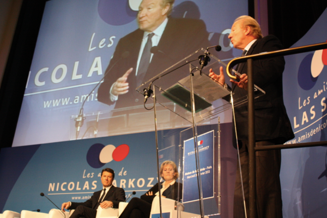 C. Estrosi, N. Morano et B. Hortefeux sur l'estrade, mardi. © MT