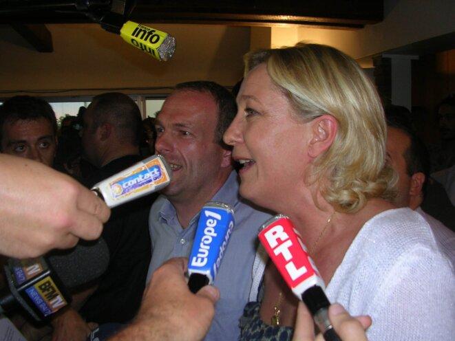 S. Briois et M. Le Pen à Hénin-Beaumont.