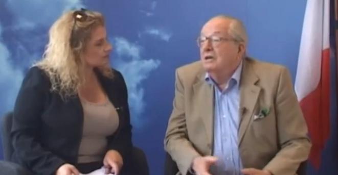 """Sa femme Marie d'Herbais présente le """"Journal de bord"""" vidéo de Jean-Marie Le Pen."""