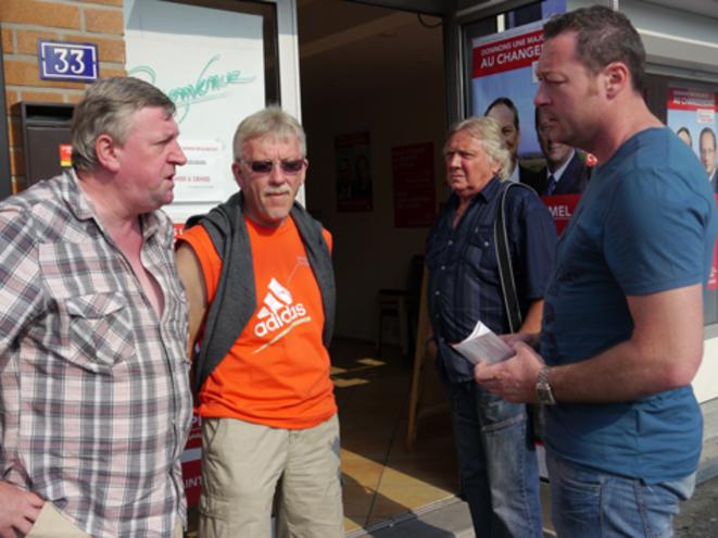 Au local du PS. Serge Brietz à gauche, avec Geoffrey Gorrillot à droite. © M.T.