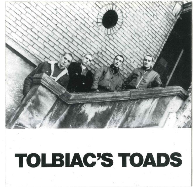 La pochette (recto) du disque du groupe skinhead nationaliste Tolbiac's Toads, où figure Vincent Gérard (2e à gauche).