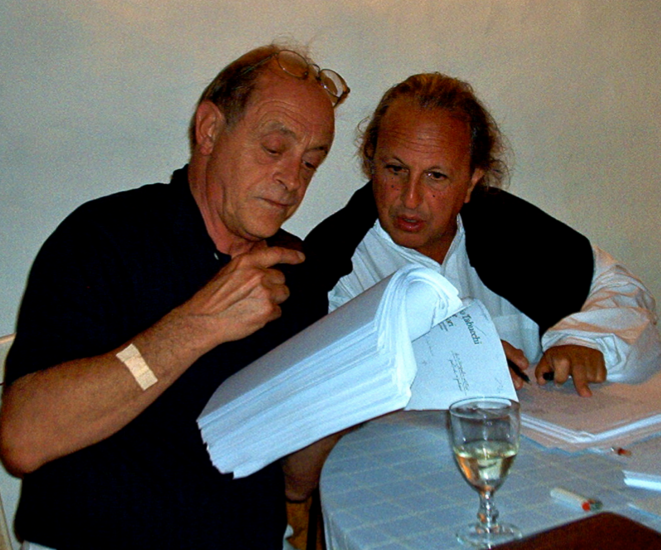 Antonio Tabucchi (à gauche) avec Maurice Olender, Portugal, 2002. Fonds Maurice Olender / IMEC
