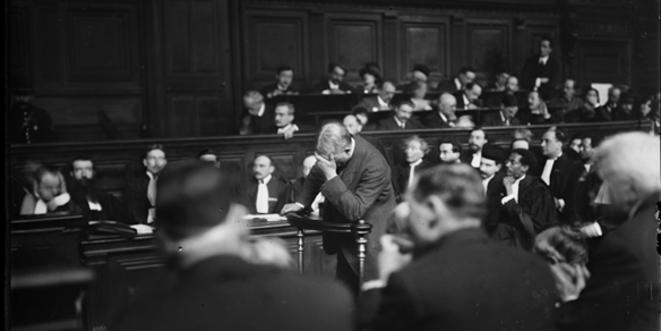 René Viviani (1862-1925), à la barre des assises de la Seine, le 26 mars 1919