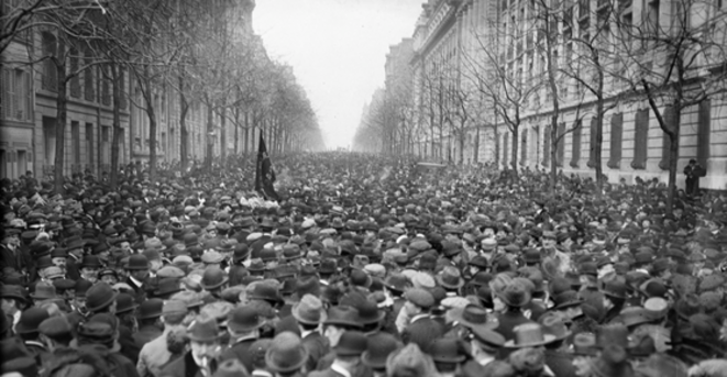 6 avril 1919, avenue Malakoff (aujourd'hui Raymond-Poincaré), au Trocadéro, dans le XVIe arrondissement de la capitale