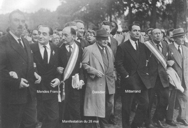 À gauche, le socialiste André Philip. Charles Hernu figure derrière l'ancien ministre de la défense Edouard Daladier...