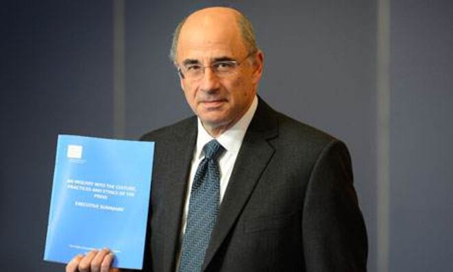 Le juge Leveson et son rapport d'enquête © Reuters