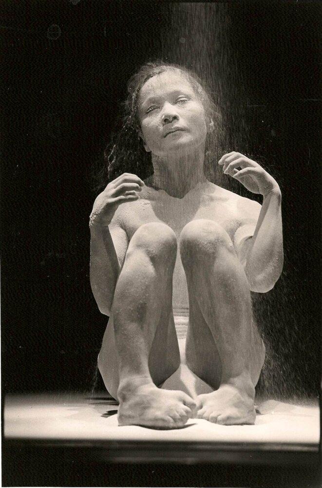 Carlotta Ikeda dans le solo Utt © Guy Delahaye
