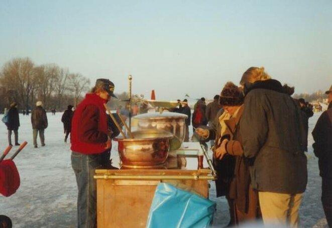Alster gelée 1996 - Stand vin chaud -  © Etoile66