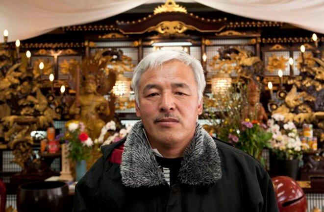 Naoto Matsumura vient de participer à une cérémonie shinto dans le temple Zenkouji de Nihonmatsu. © Antonio Pagnotta