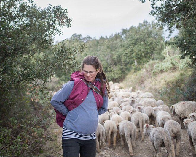 Bérengère, bergère transhumante. © Nadège Abadie / La France VUE D'ICI