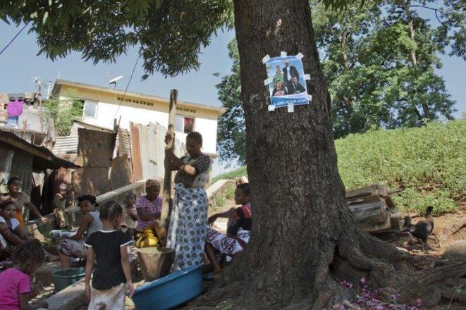 Durant la campagne du premier tour, à Mayotte. © David Lemor