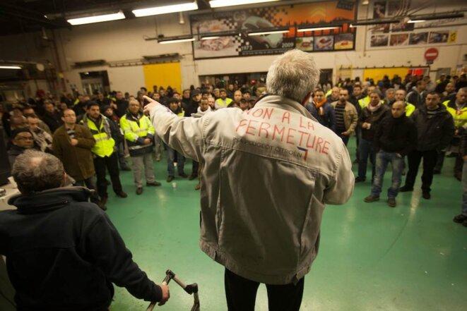 Jean-Pierre Mercier parle aux ouvriers
