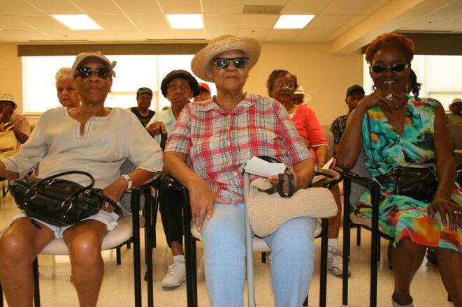 Ruby, Lorena et Alberta patientent au frais dans le centre pour seniors de Baker street. © ID/MP
