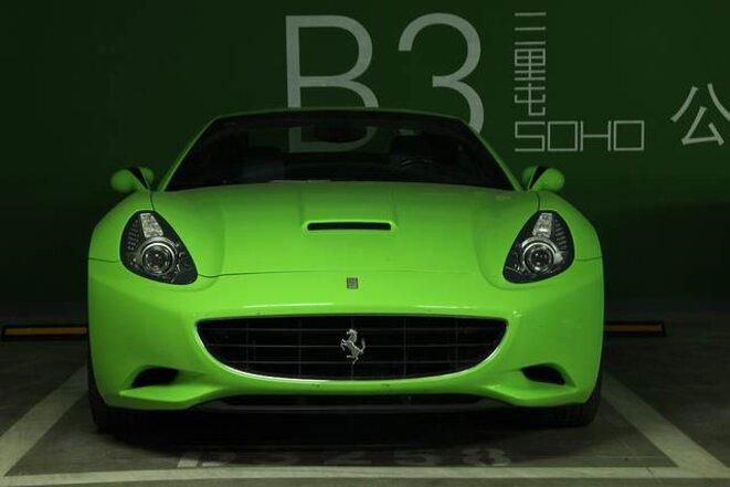 Une Ferrari sans plaque... © JP/MP