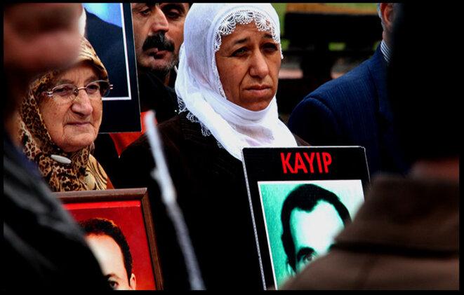 Les «mères du samedi» réclament la vérité sur la disparition de proches © Alain Devalpo