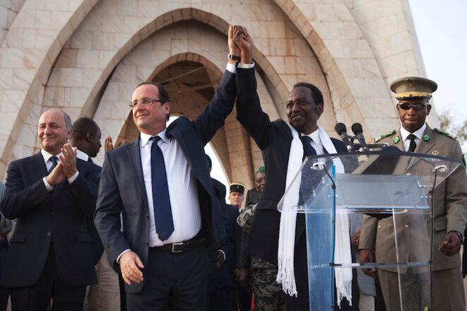 """François Hollande au Mali le 2 février 2013 célébrant la """"victoire"""" de l'opération Serval © Reuters"""