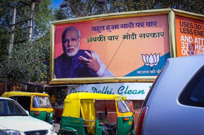 Des affiches électorales en faveur de Modi à New Delhi © Thomas Cantaloube