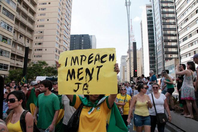 Manifestation demandant la destitution de Dilma Rousseff en février 2015, São Paulo.