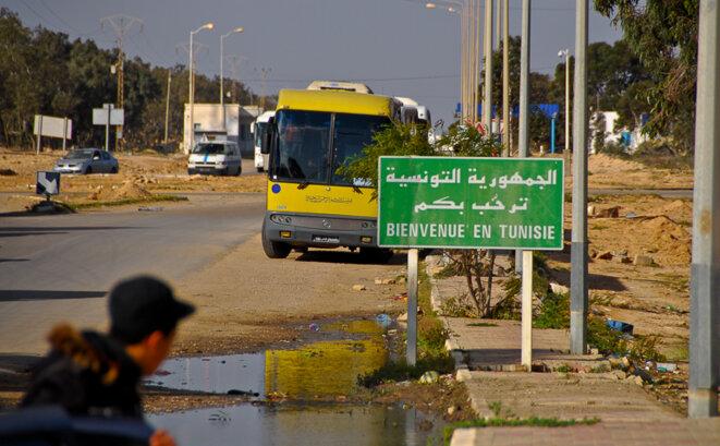 Le poste frontière de Ras Jedir (ici en 2011) est le principal point de passage entre la Tunisie et la Libye © Thomas Cantaloube