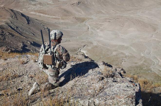Un soldat américain surveille le territoire dans la province de Paktya. Septembre 2014 © US Army