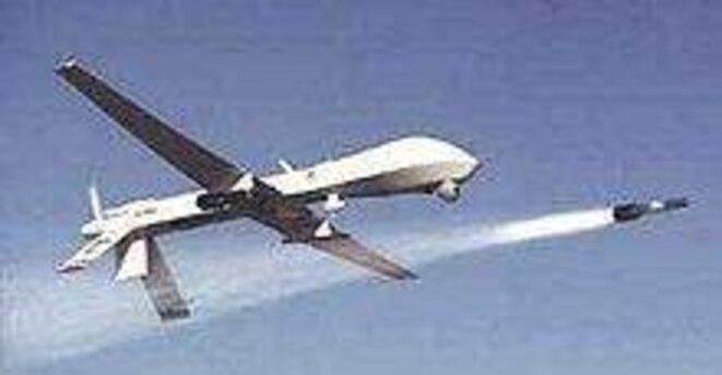 Drone Predator tirant un missile