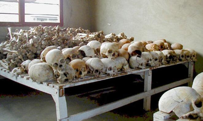 Victimes du génocide des Tutsi à Murambi au Rwanda