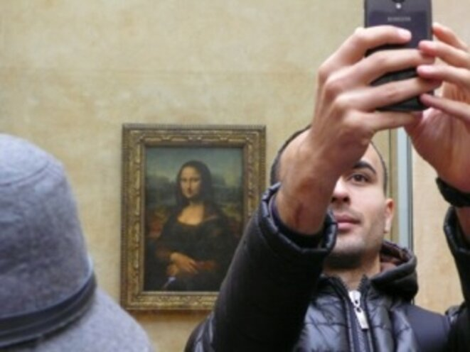 """Le must, au Louvre, """"le selfie à la Joconde""""… © Nathalie Hureau"""