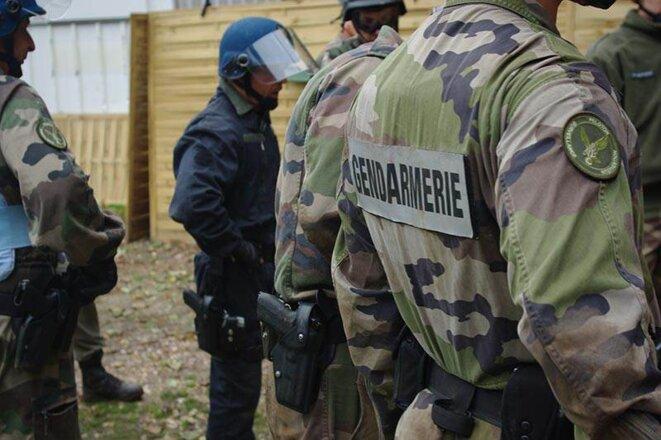Les gendarmes à l'entrainement sur le site de l'AFEP - 2010