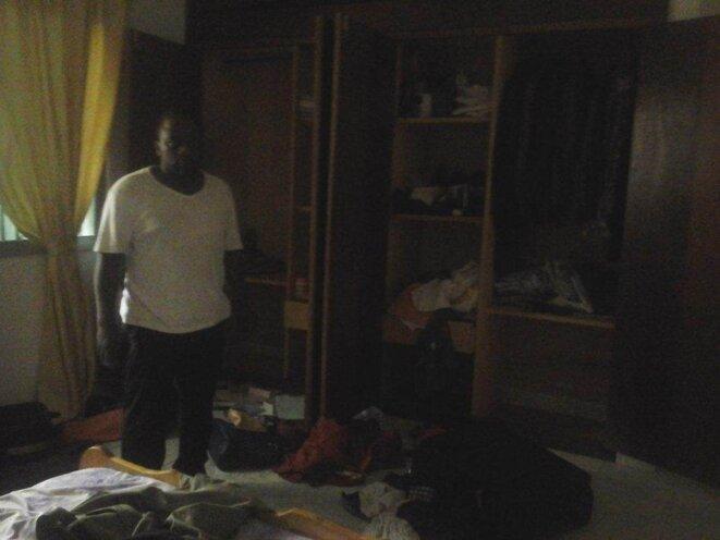 Saccage de la chambre à couché du journaliste Elie Smith © sadio kante