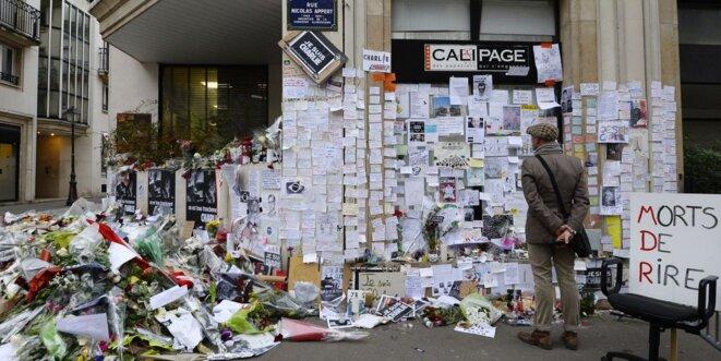 Siège de Charlie Hebdo, témoignages, recueillement & messages de soutien