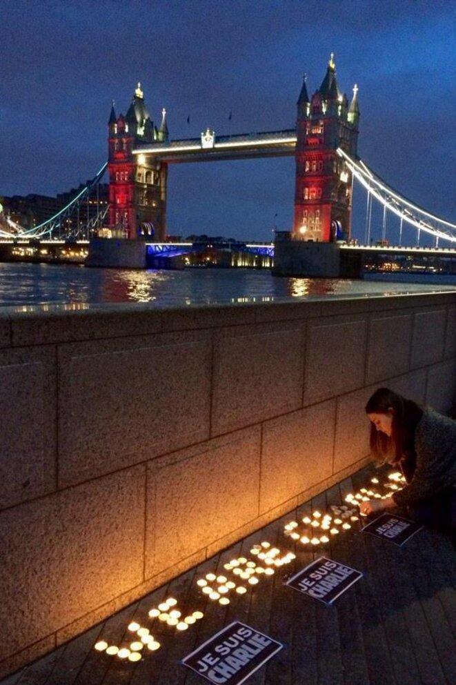 We are Charlie au London Bridge