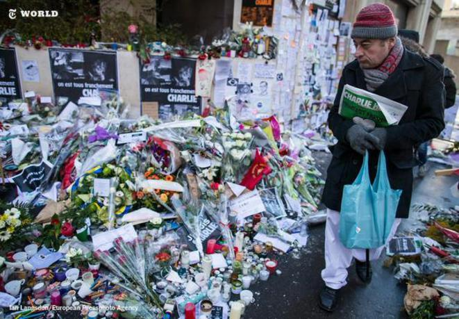 Au siège de Charlie Hebdo, une montagne de témoignages de soutien  © Ian Langsdon / European Pressphoto Agency / Times World